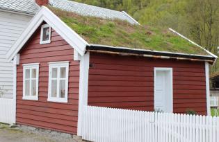 Bilde av lite rødt hus