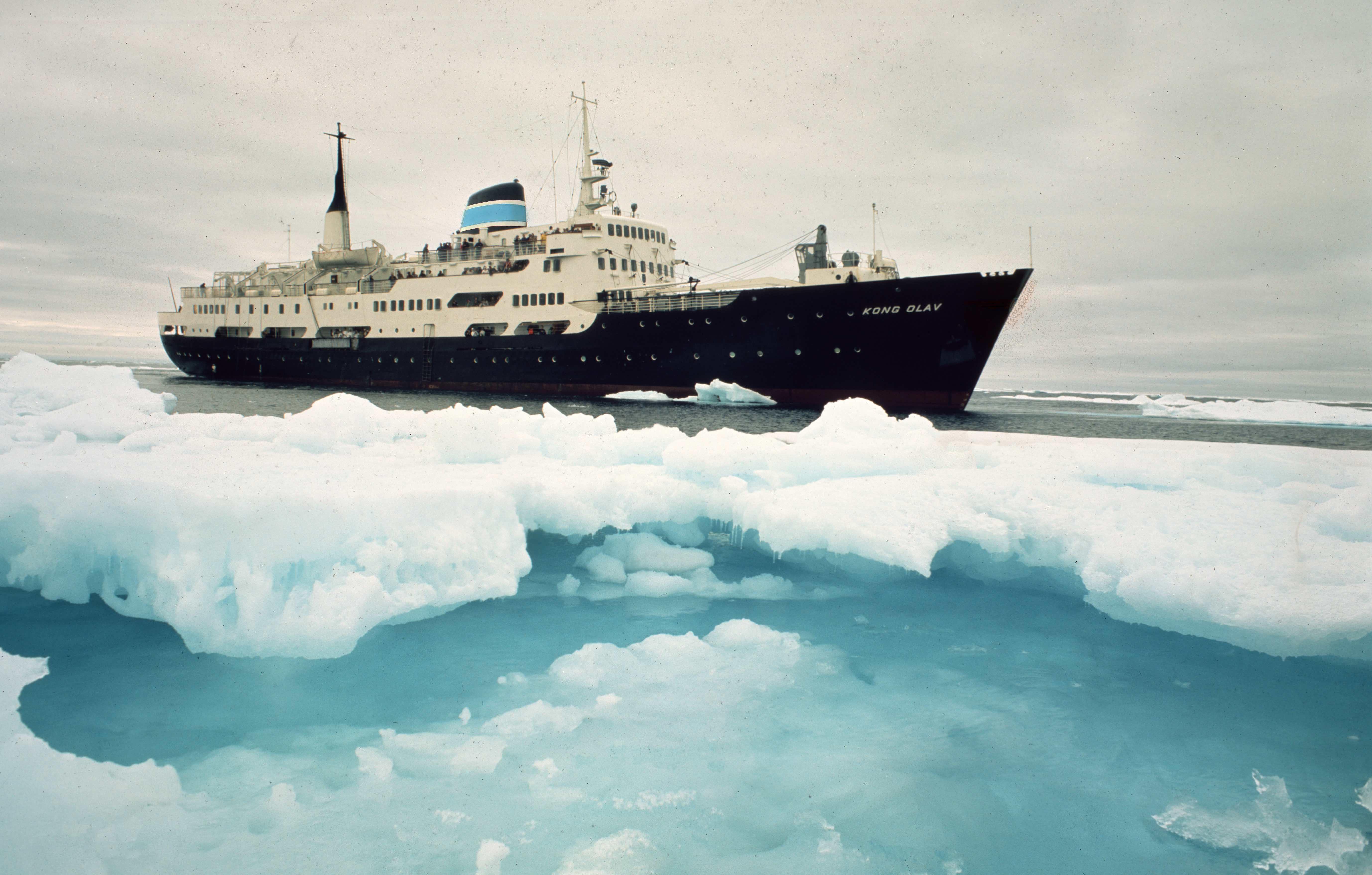Skipet er i isen.