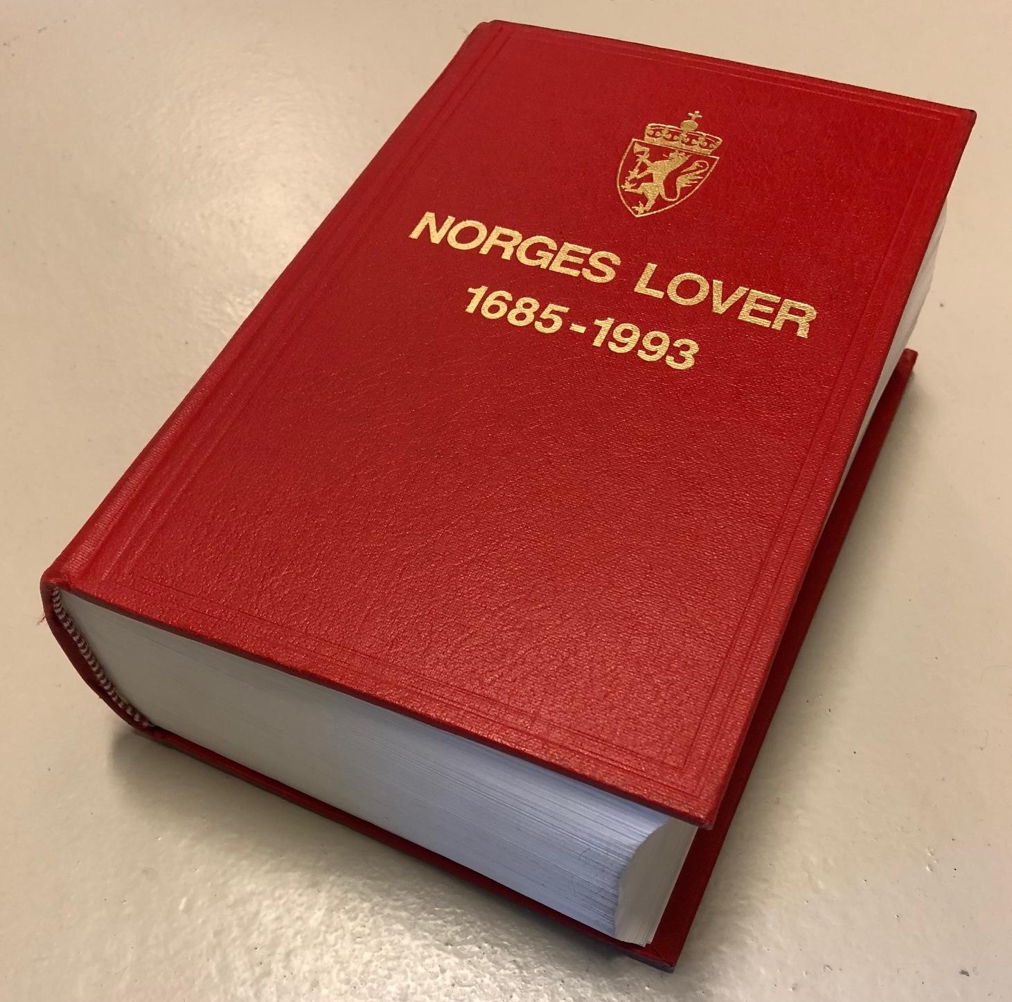 Norges lover i bokutgave fra 1993.